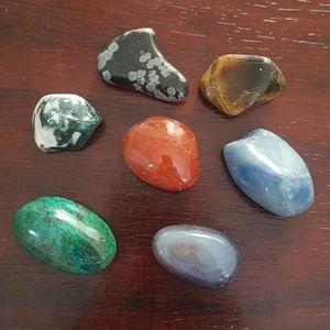 7 Various Healing Chakra Stones